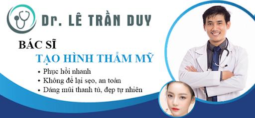 Bác sĩ Lê Trần Duy trực tiếp làm phẫu thuật nâng mũi cho khách hàng